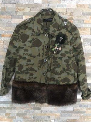 Hemd bzw leichte Jacke mit Fake Fur im camouflage Stil