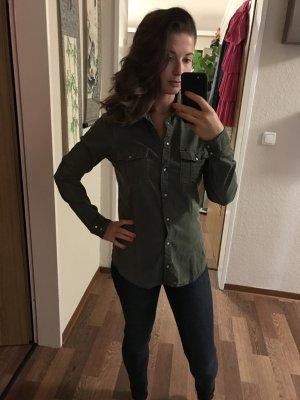 Zara Chemise à manches longues vert olive