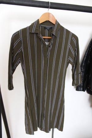 Hemdbluse mit schwarzen Streifen