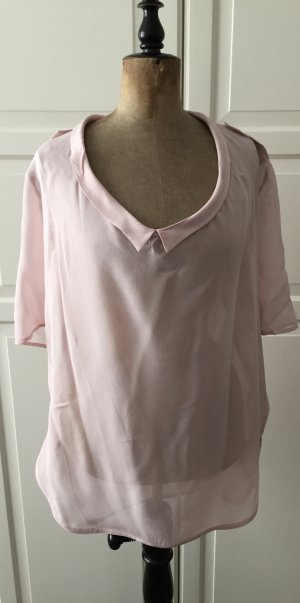 Hemdblusenstil, transparente längere, kurzärmelige Bluse in angesagtem zartrosa Ton