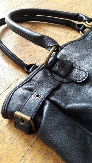 henkeltasche in schwarz
