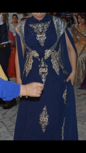 Vestido de novia color oro-azul oscuro