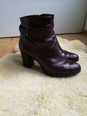 5th Avenue Zipper Booties bordeaux leather