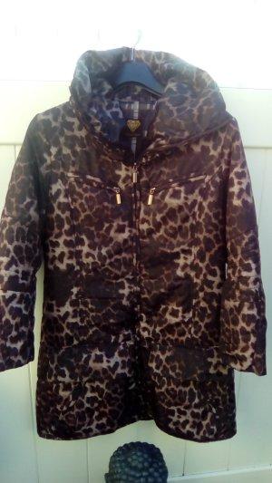 Herbst-Jacke im Leopardenlook
