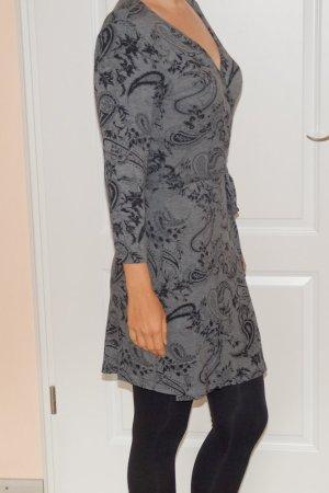 Herbstkleid grau schwarz Wickelkleid Paisley