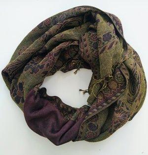 herbstlich warmer Paisley Schal