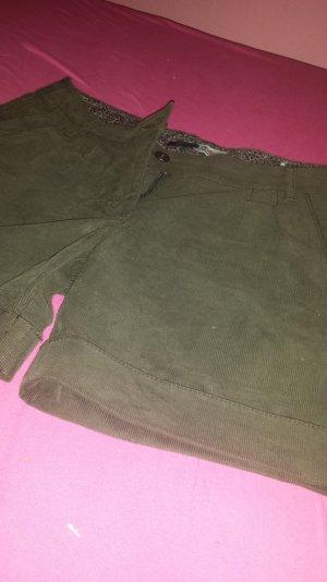 herbstliche shorts olivgrün