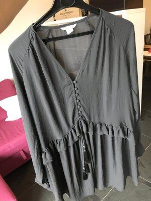 Herbstliches Kleid in Grau