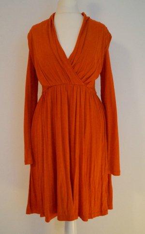 herbstliches Kleid in orange