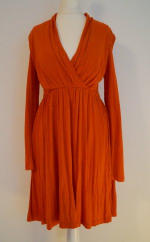 herbstliches Kleid in orange