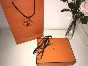 HERMÈS Box und Tüte orange mit Geschenkbank