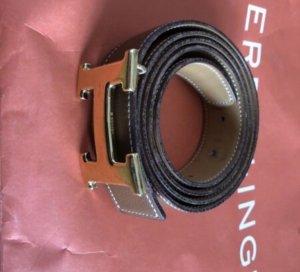 Hermès Cinturón de cuero color bronce-amarillo oscuro Cuero
