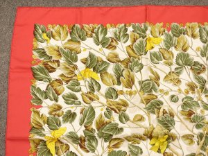 HERMES PARIS Red/Cream Silk Scarf Stole SEIDEN TUCH 90x90 cm
