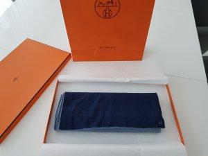 HERMÈS Schal mit Box und Tasche
