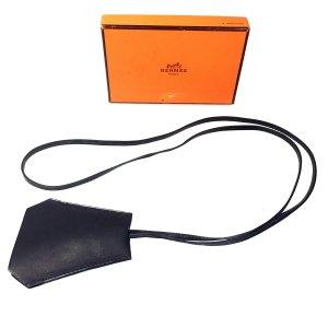 Hermès Schlüsselanhänger Schlüsselglocke Clochette Leder Farbe Schwarz Silber