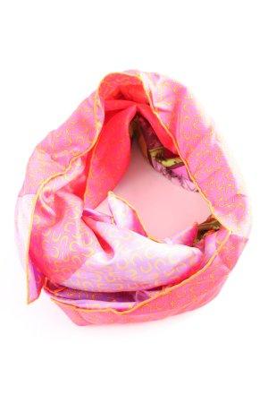 Hermès Pañuelo de seda rosa-amarillo pálido look casual