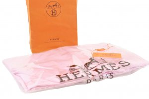 Hermès Knitted Scarf pink
