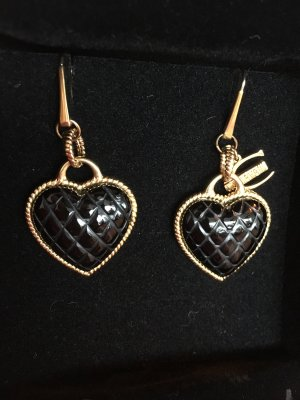 Herzförmige Ohrringe