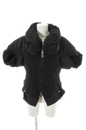 High Daunenjacke schwarz extravaganter Stil