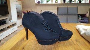High Heel Ancle Boots / Stiefeletten Tamaris in schwarz Gr. 39