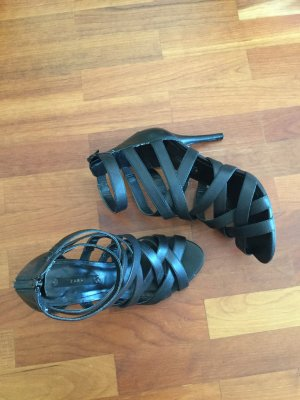 High Heel Riemchensandalen mit Reißverschluss Ferse von Zara, Absatz 10cm