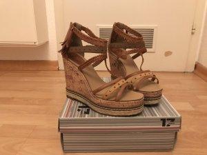 High Heel Sandale mit Keilabsatz