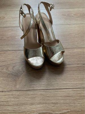 Vero Moda Sandalo alto con plateau oro