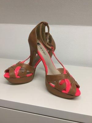 High-Heeled Sandals beige leather