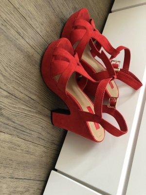 Sandales à talons hauts et plateforme rouge