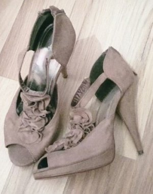 High Heels Beige Volants