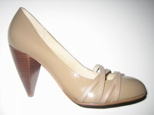 High Heels Buffalo London Lackschuhe aus Leder  Gr. 37