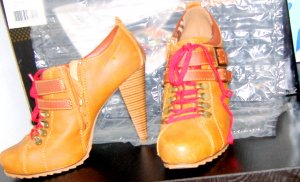 High Heels Cognac Red