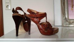 High heels der Marke Bronx aus Leder