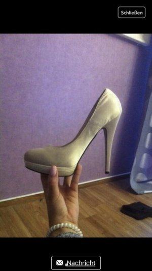 High Heels Gold 40