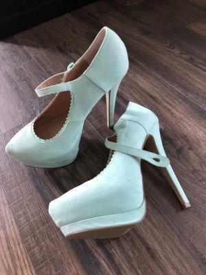High Heels im Mary Jane Stil mit Plateau
