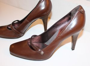 HIGH HEELS IN DUNKELBRAUN VON HUGO BOSS