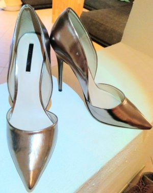 High Heels in Metallic Optik