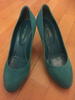 High heels in schönem Türkis