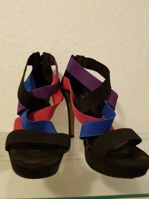 high heels mit farbigen gummibändern