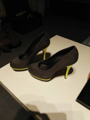 High Heels mit Neongelben Absatz