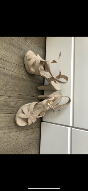 Sandales à talons hauts et plateforme crème
