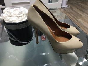 Zara Tacones altos crema