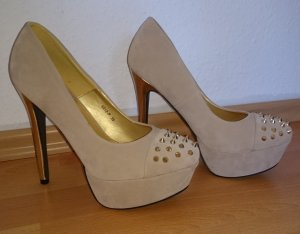 High Heels - Plateau - goldene Nieten
