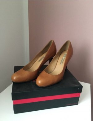 High Heels / Pumps Buffallo London
