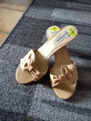 Ariane Pointed Toe Pumps light brown