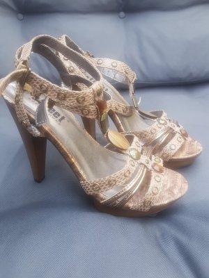 High heels Riemchen