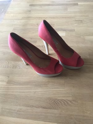 Buffalo Peep Toe Pumps red
