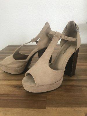 High Heels Sandaletten 37 blockabsatz nude wie neu