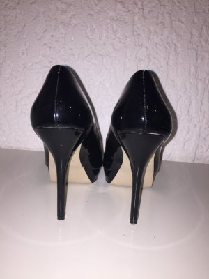High heels schwarz Mango