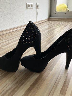 High Heels schwarz mit Nieten